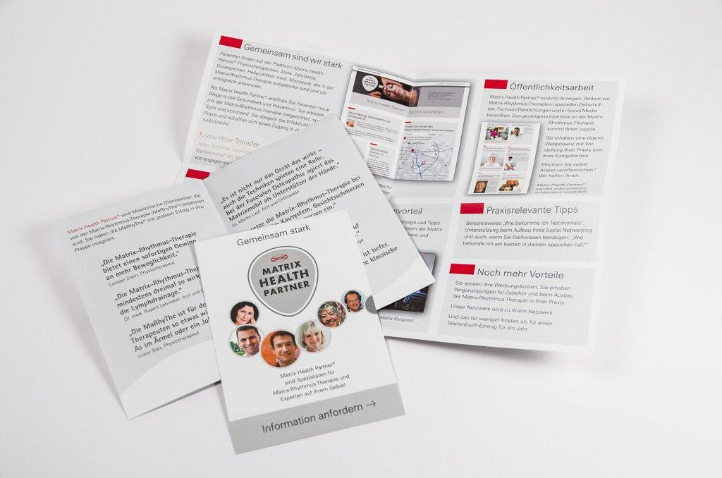 Diverse Folder und Flyer